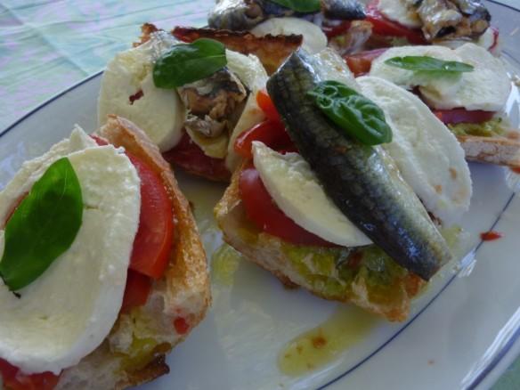 Tartines de Mozzarella et Poivrons