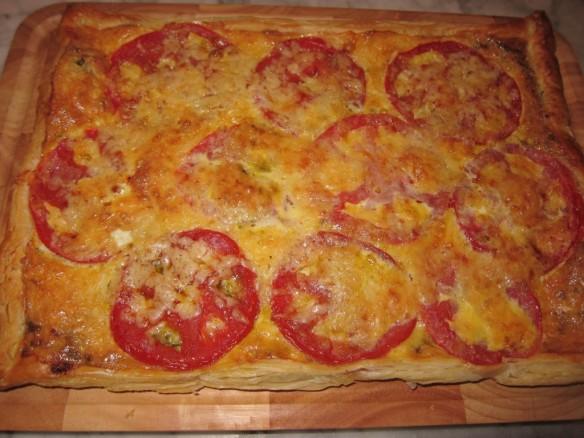 Tarte aux Tomates, Pesto Rouge et Gruyère