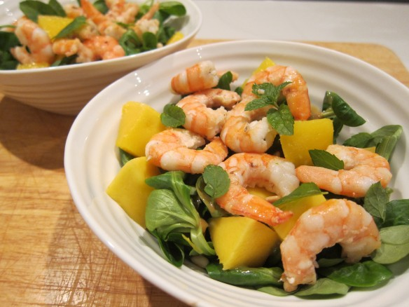 Fresh Salad with Prawns