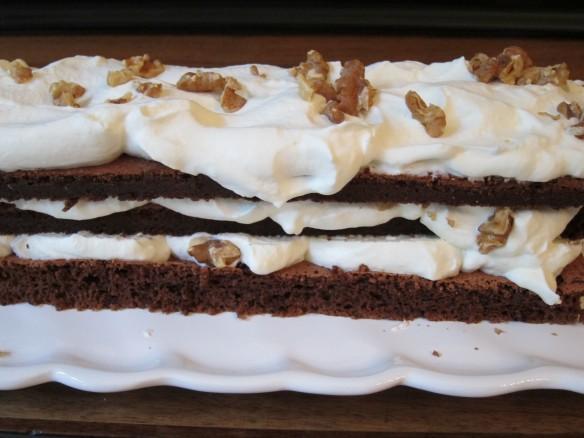 Gâteau au Chocolat fourré Noix et Chantilly