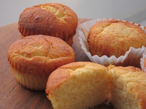 Fluffy Ricotta and Almond Muffin
